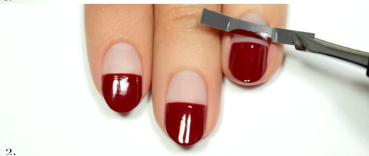 Накрасить ногти разным лаком в домашних