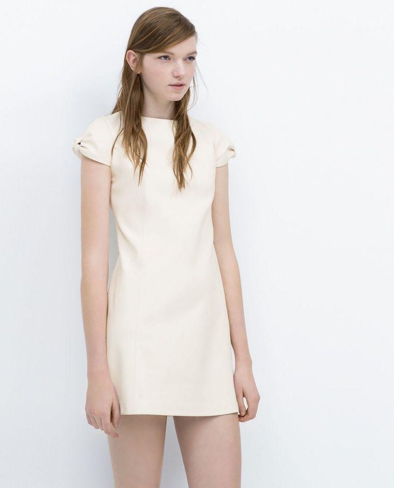 Простое необычное платье