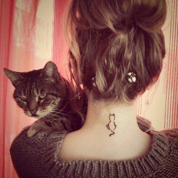 Картинка девушки спиной с котом