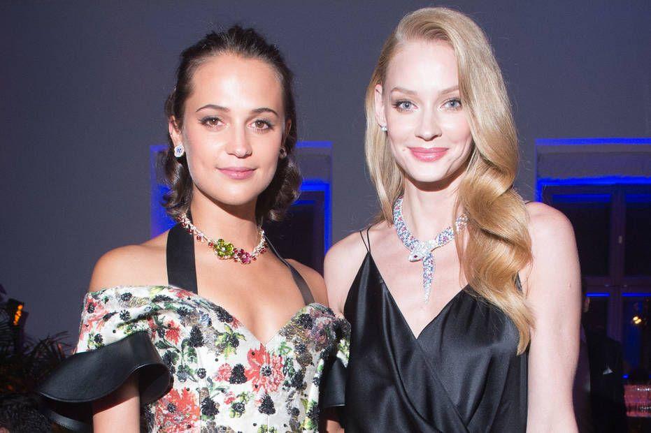 Светлана Ходченкова на совместном фото с Викандер выглядит так, словно, она из Голливуда, а не Алисия