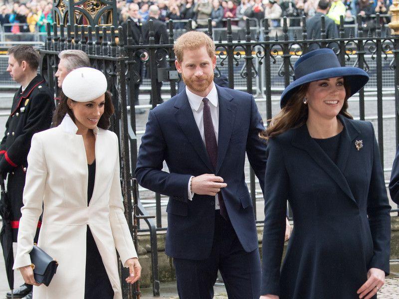 На фото принц Гарри, Меган Маркл и Кейт Миддлтон