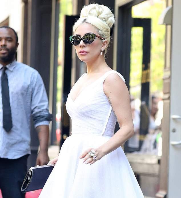 Постройневшая Леди Гага просто неузнаваема в образе Мэрилин Монро