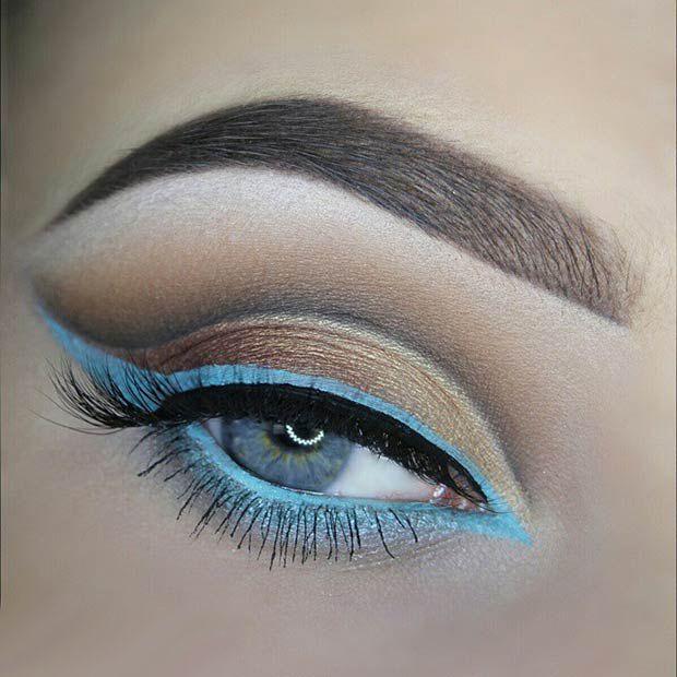 Яркий вечерний макияж с красивыми стрелками