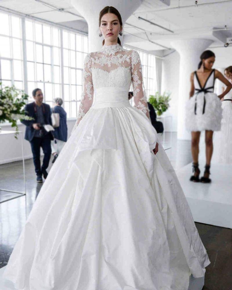 b05032456d7 Платье невесты  тенденции с фото на 2019 год - krauzer.ru