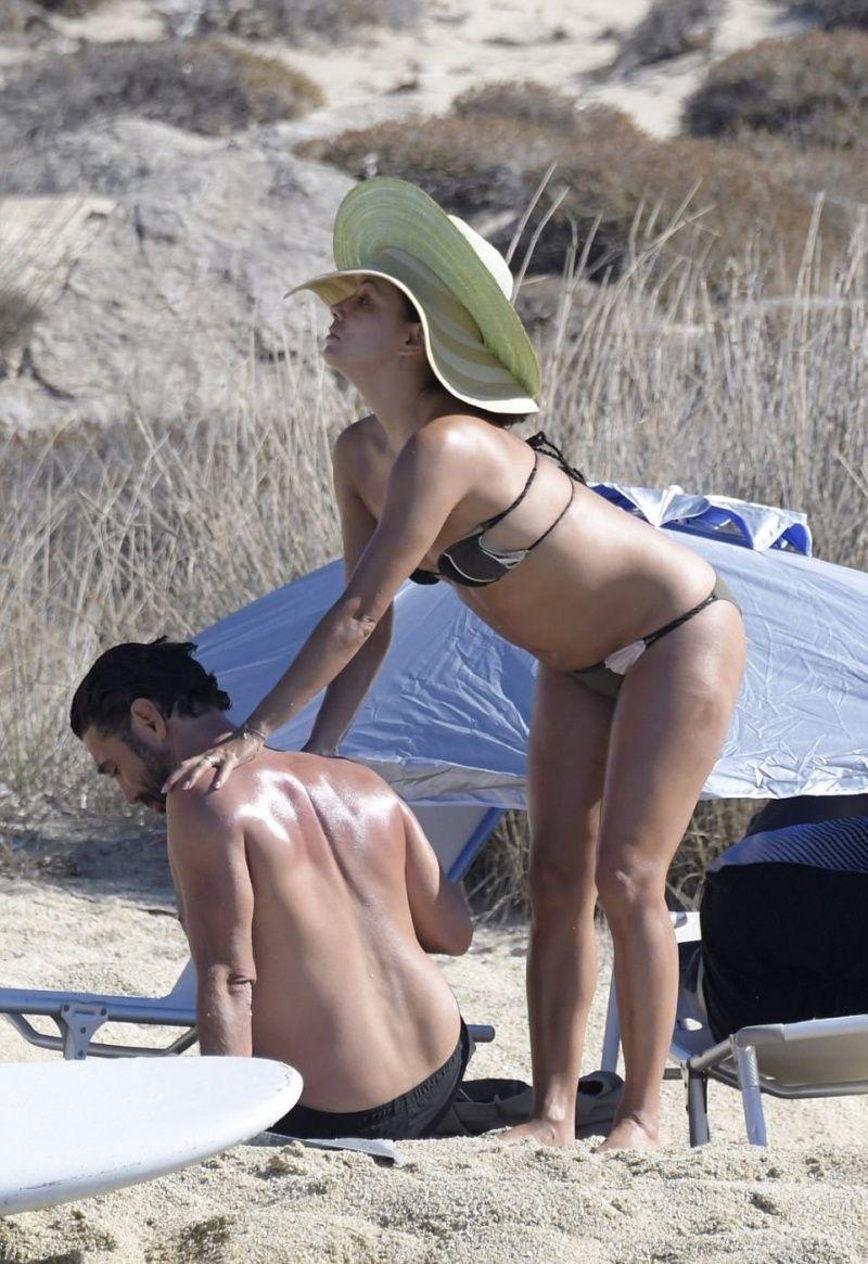 Видео оргазмов голая ева лонгория на пляже молодой стройной