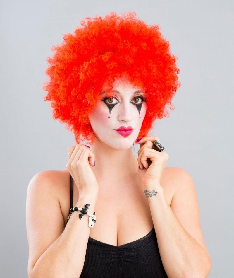 Несложная идея клоуна на Хэллоуин для девушек