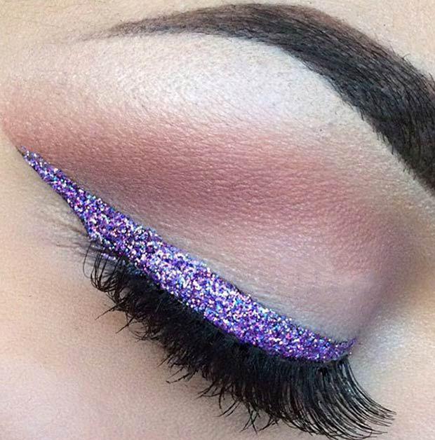 Вечерний макияж с сиреневыми стрелками и блестками