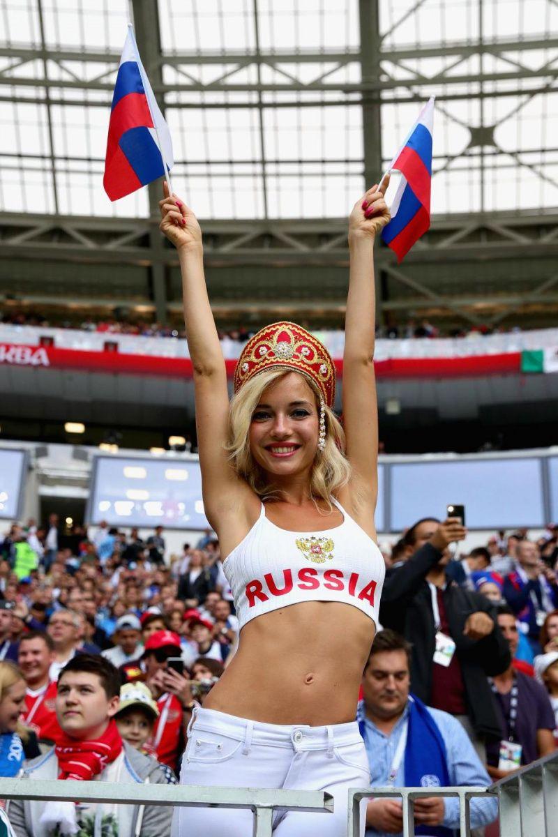 участвует чемпионате мира футболу
