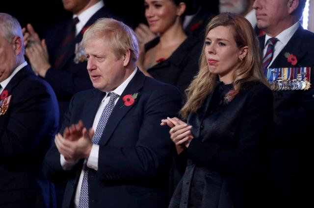 Премьер-министр Великобритании Борис Джонсон и Кэрри Саймондс ждут малыша