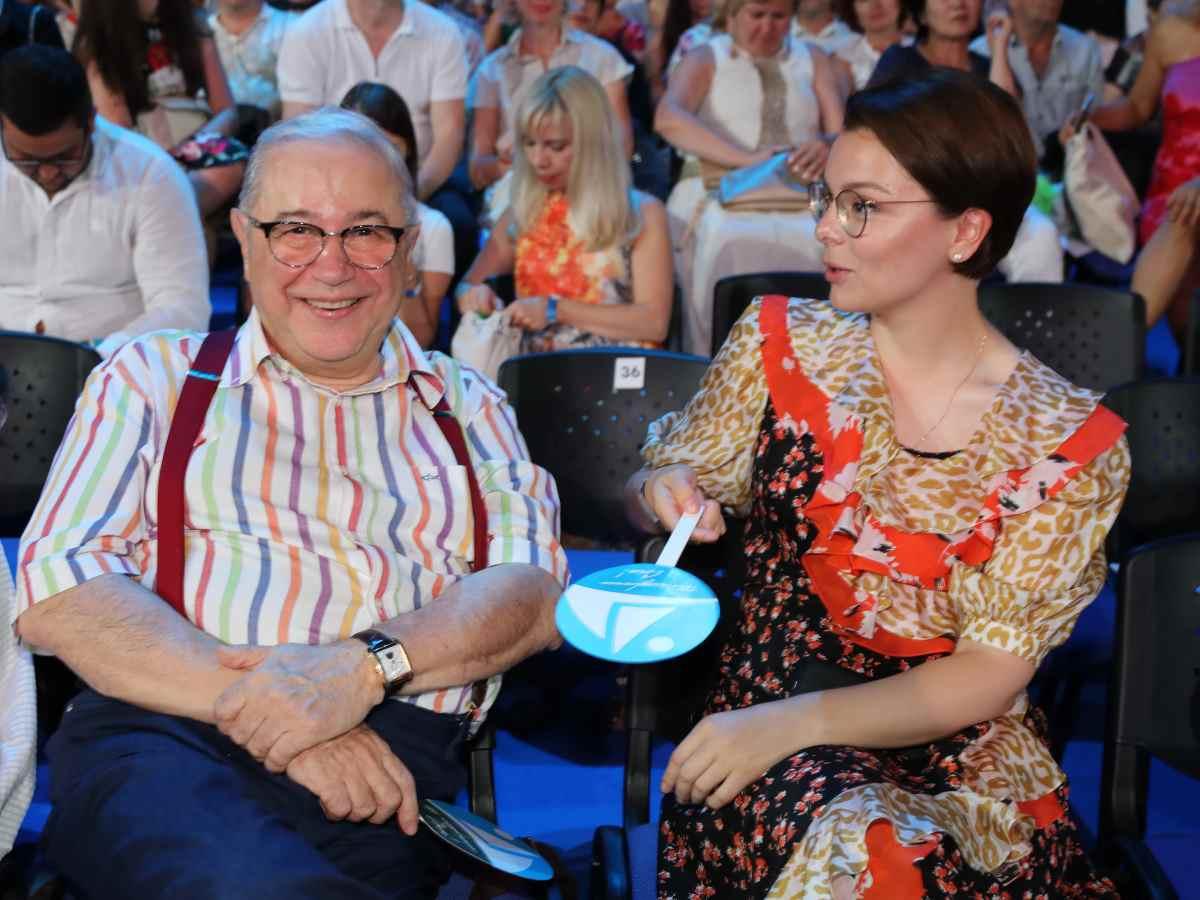 Иван Ургант рассказал, кто родился у Евгения Петросяна