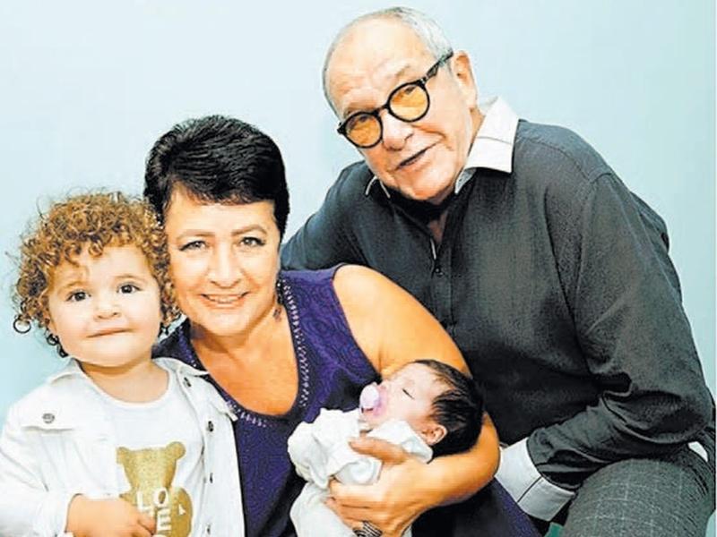 """""""Это не мать"""": жену Эммануила Виторгана раскритиковали за то, что она перепутала детей"""