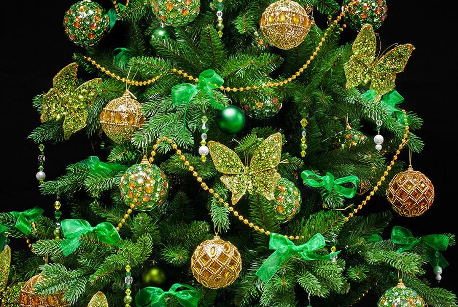 Привлекаем любовь, деньги и удачу: как украсить елку в год Быка
